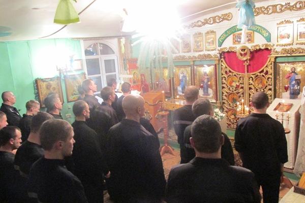 В исправительной колонии №9 УФСИН России по Чувашской Республике прошла праздничная рождественская служба